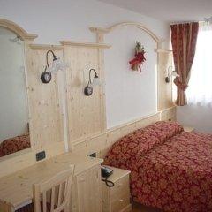 camera albergo mobilio legno