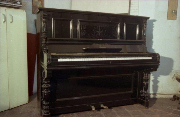 restauro strumenti musicali in legno