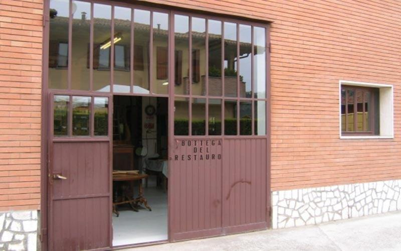 Laboratorio di restauro mobili