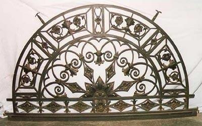 Sovraporta in ferro battuto restaurato