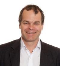 Expert surgeon David Moss
