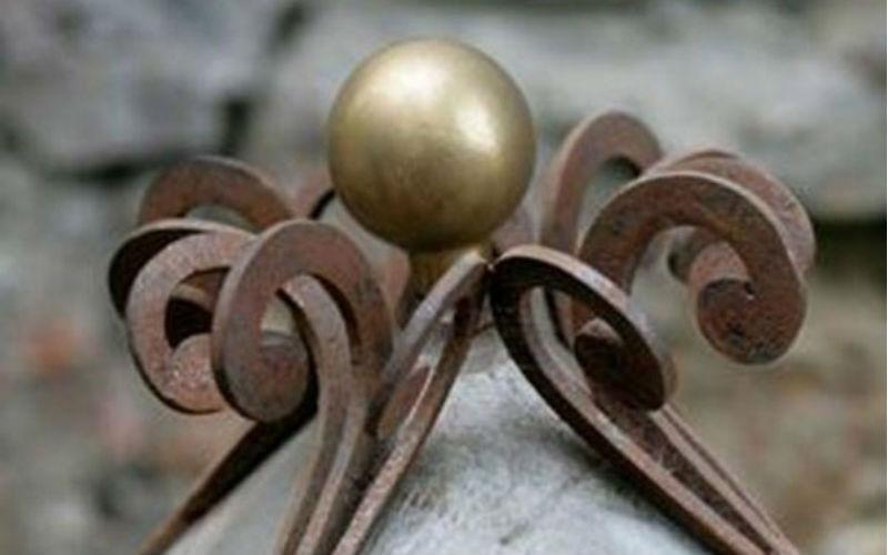 Ornamenti in ferro battuto fabbro Sirola Rapallo