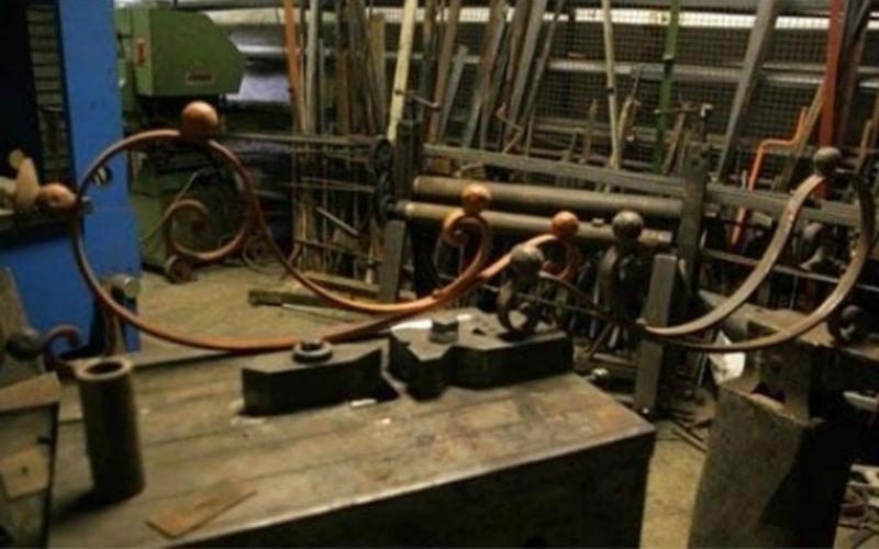 Realizzazione inferriate in ferro  battuto fabbro Rapallo