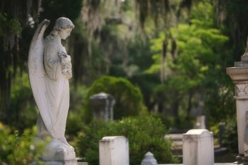 Monumenti funebri, servizi funebri. cappelle funebri