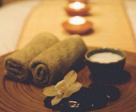 Strumenti per i massaggi con pietre a Garlate