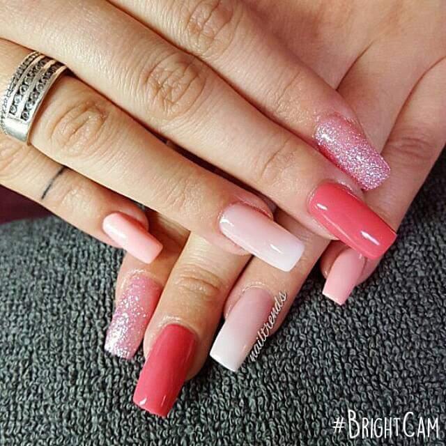Smalto di diverse tonalità di rosa