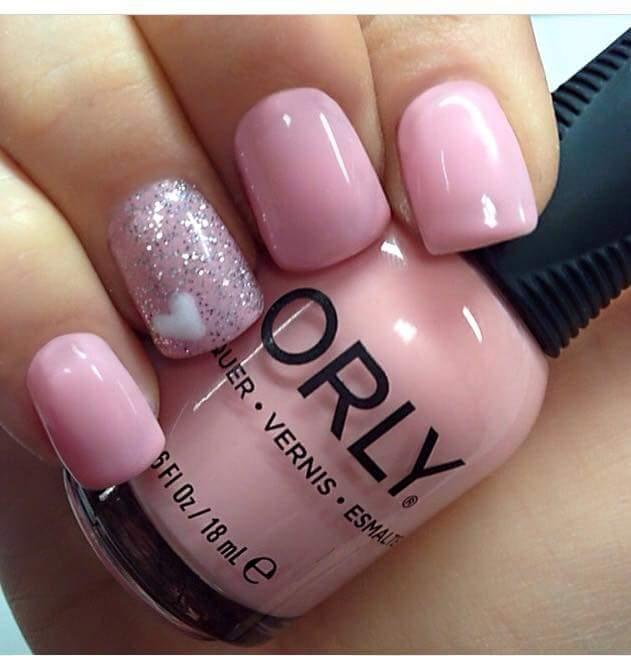 Smalto rosa confetto e rosa con glitter
