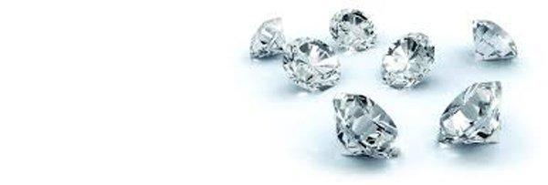 pietre preziose a forma di triangolo