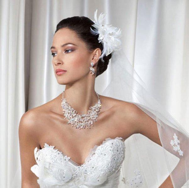 sposa con gioielli