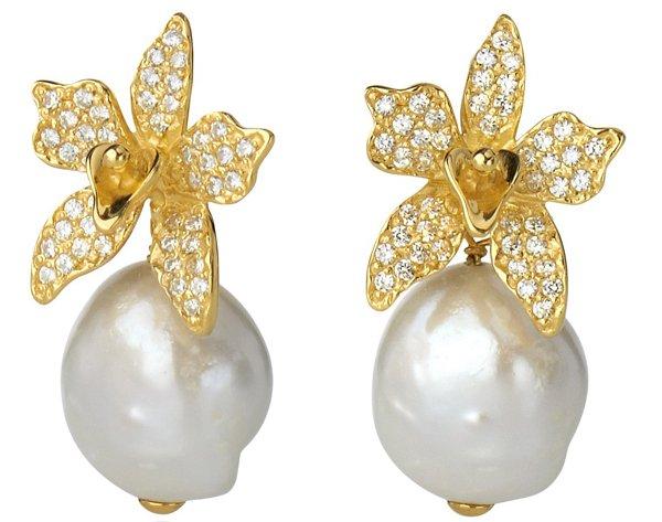 orecchini con fiori e diamanti