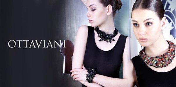 modella posa per marca di gioielli ottaviani