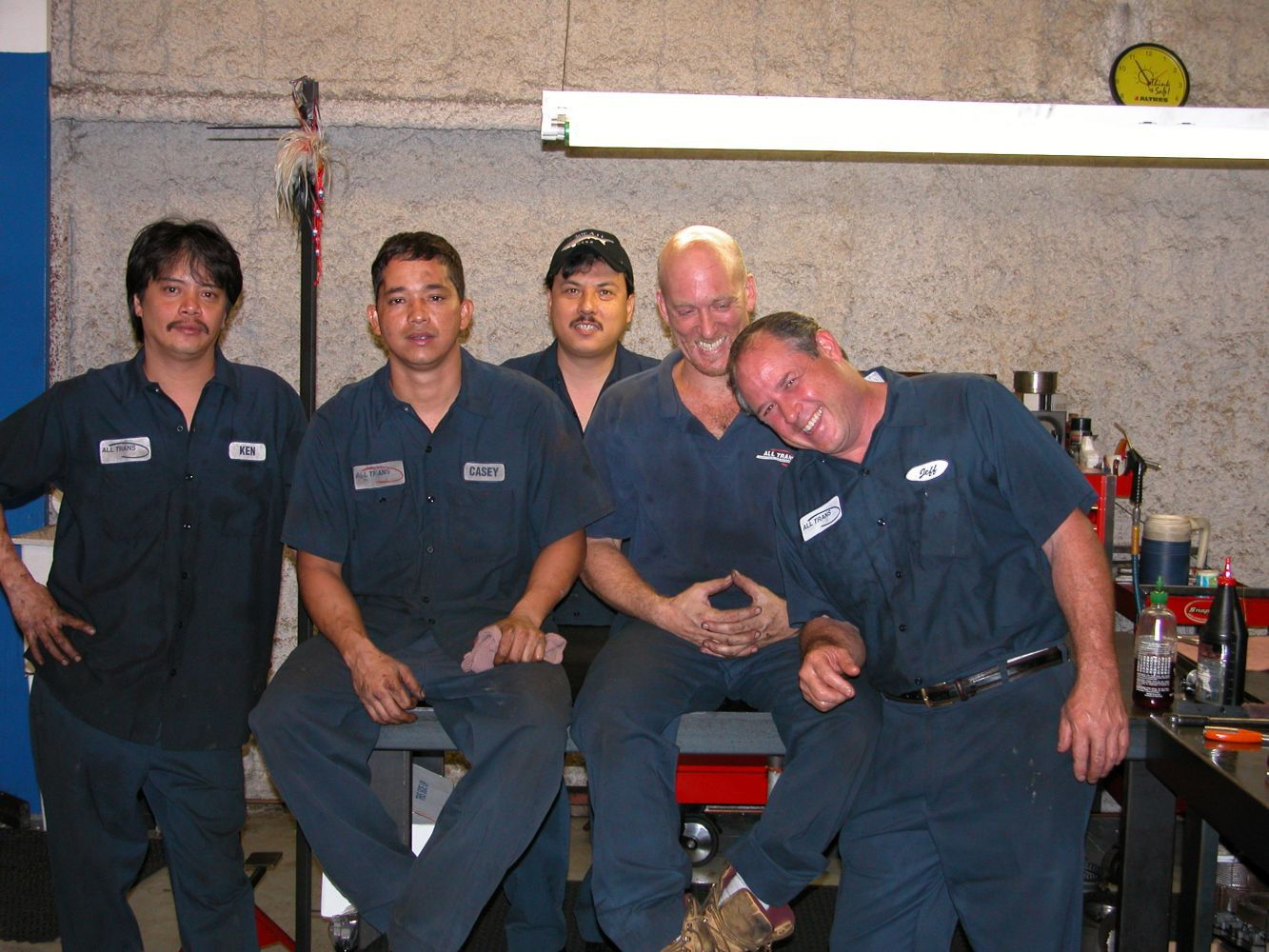 Certified transmission repair mechanics & crew at our repair shop in Honolulu, HI