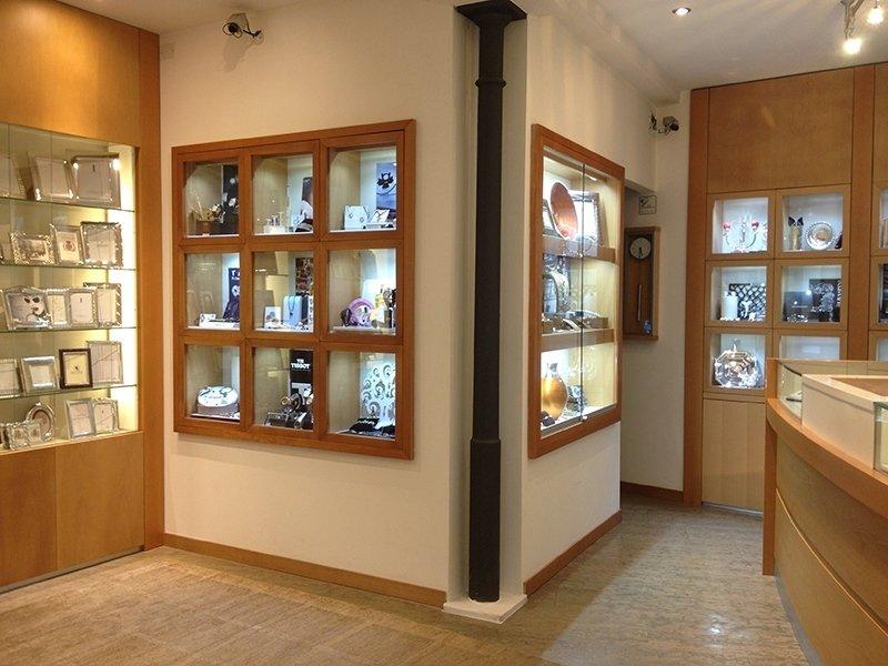 vetrine espositive gioielleria Corradini