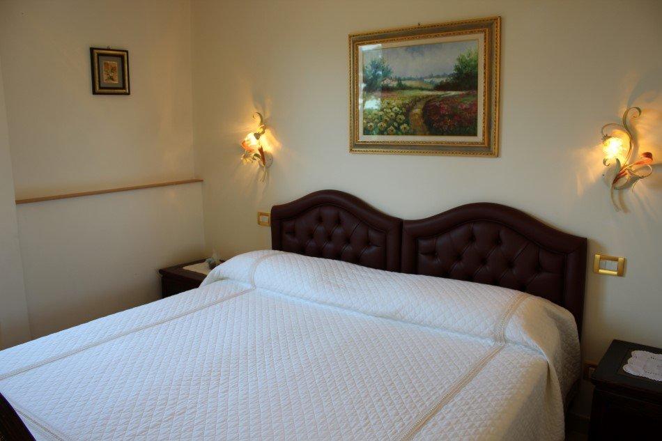 Interno camera da letto in hotel