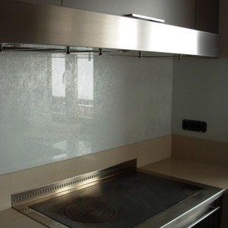 fondale cucina in cristallo temperato laccato+fili