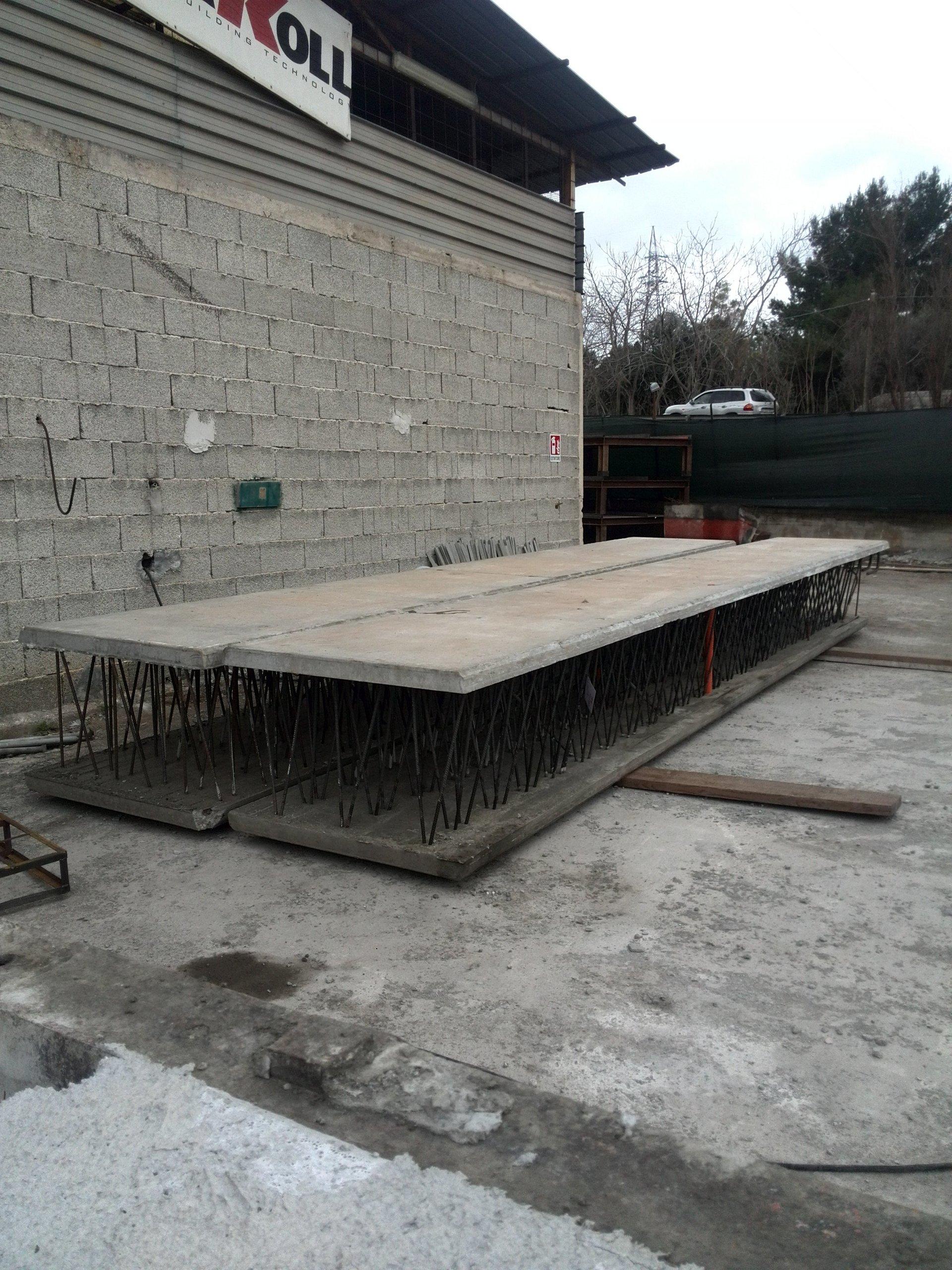 In cemento pavimenti per esterni in cemento with in for Scala in cemento armato a vista