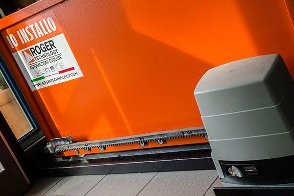 Automatismo di sicurezza per porte