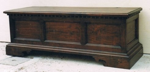 Restauro mobili in legno massello