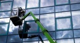 lavaggio vetrate piattaforma aerea, lavaggio vetrate piattaforma ragno, lavaggio vetrate specchio