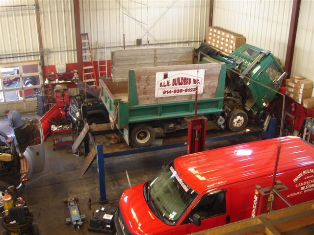 RED'S TRAILERS, PARTS & SERVICE