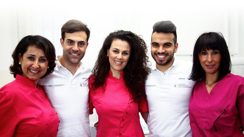 Staff di dentisti a studio dentistico Di Pasquale