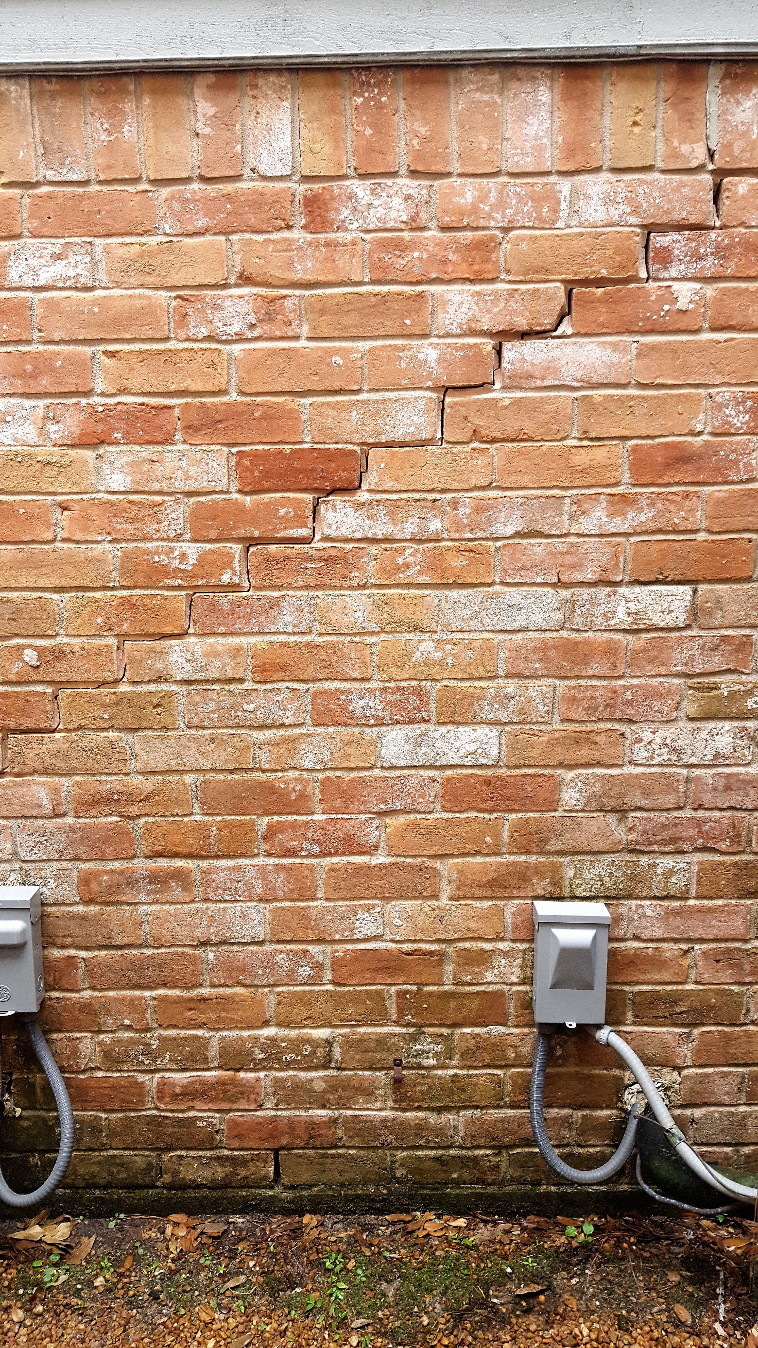 masonry repair in Tomball,TX.,masonry repair in Spring,TX.,masonry repair in Woodlands,TX., mortar crack repair and color matching in Cypresswood, Klien brick repair