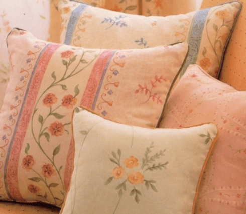 cuscini con fiori
