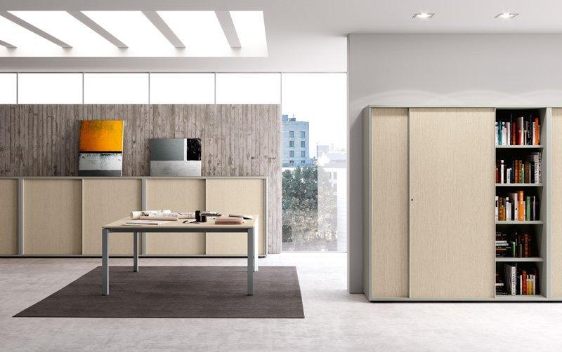 Soluzioni per l'ufficio in legno chiaro