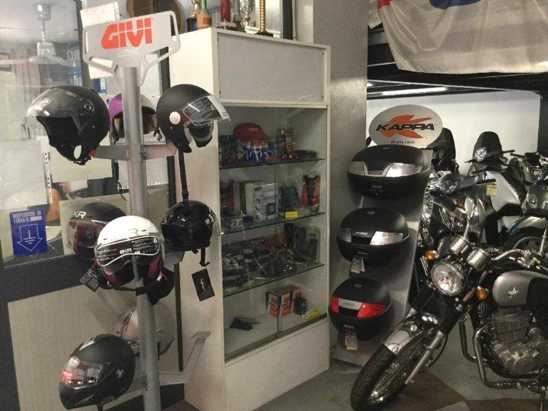 Vendita accessori per motociclisti