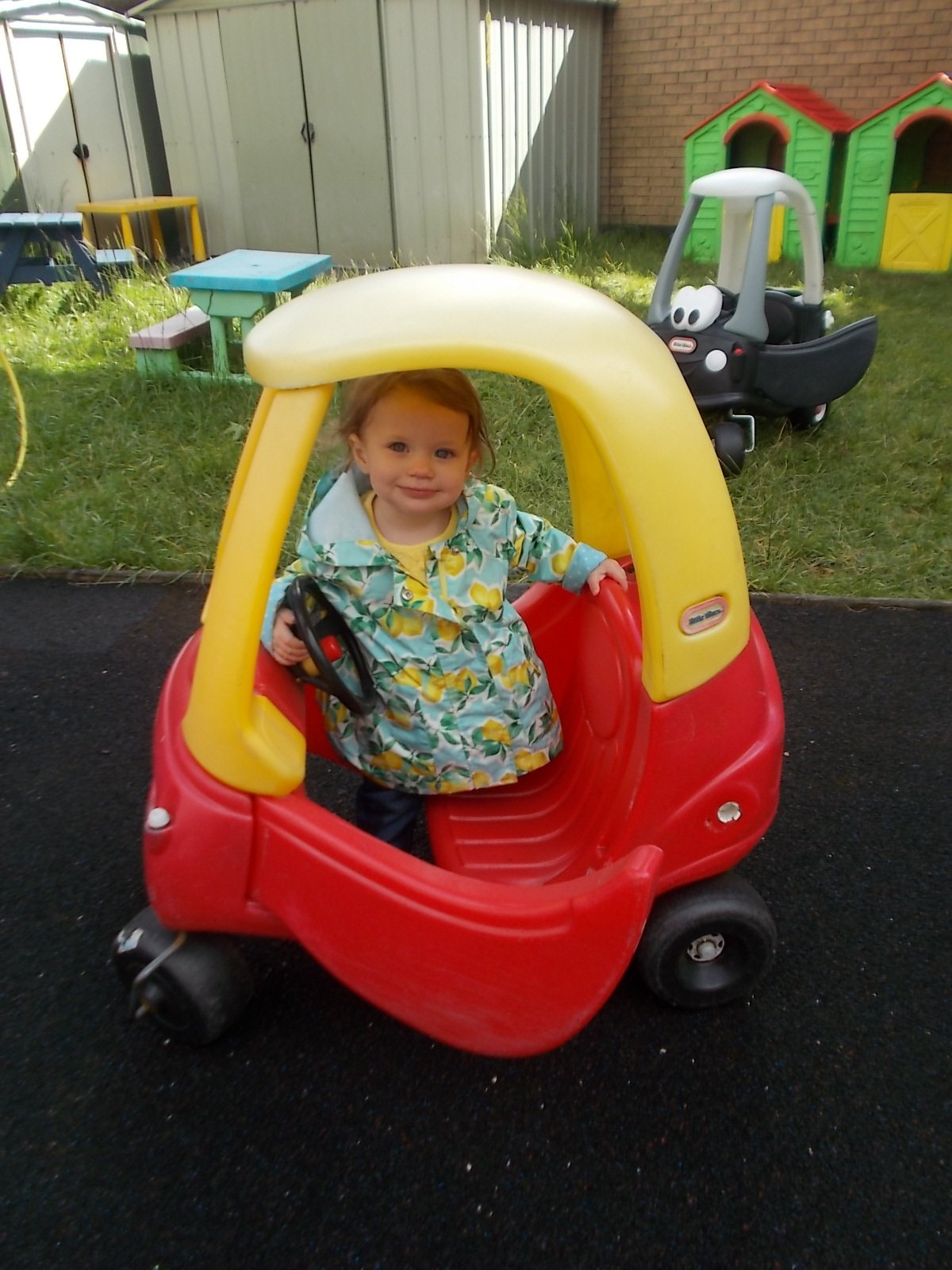 baby inside play car
