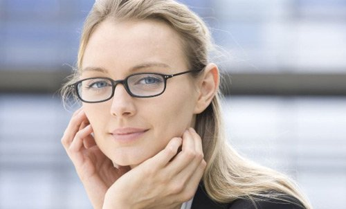 Customer with new glasses after exceptional service