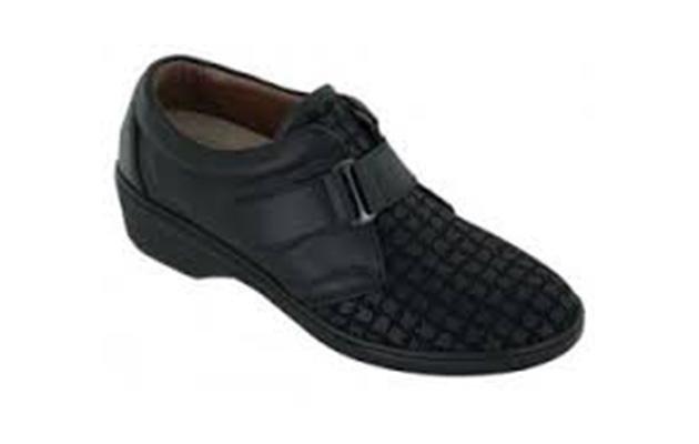 calzatura ortopedica con cinturino mobile