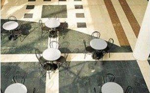 Arredi in marmo per locali commerciali Verona