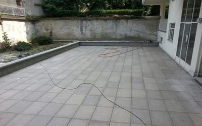 ricostruzione pavimentazione cortile