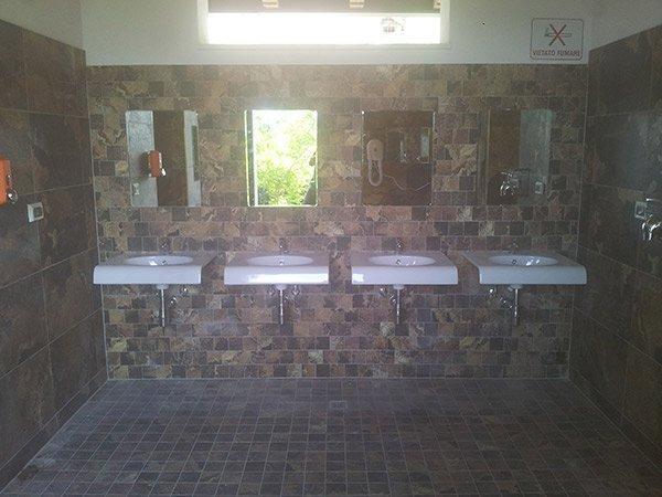 4 lavelli con specchio