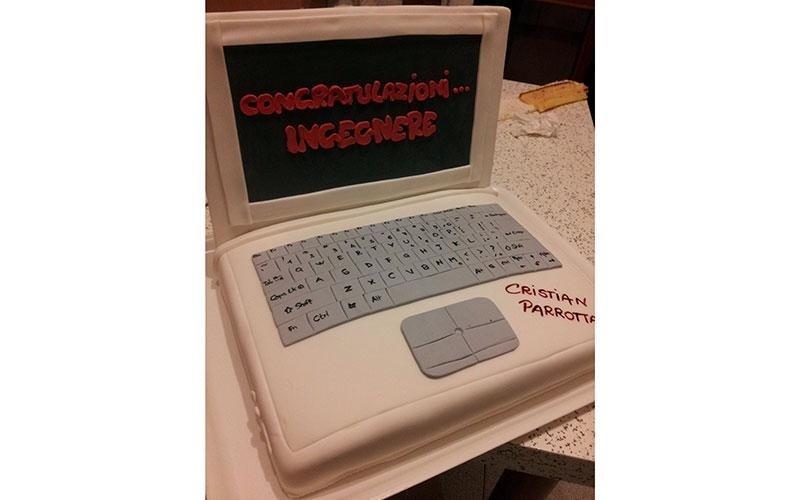 torta design laurea