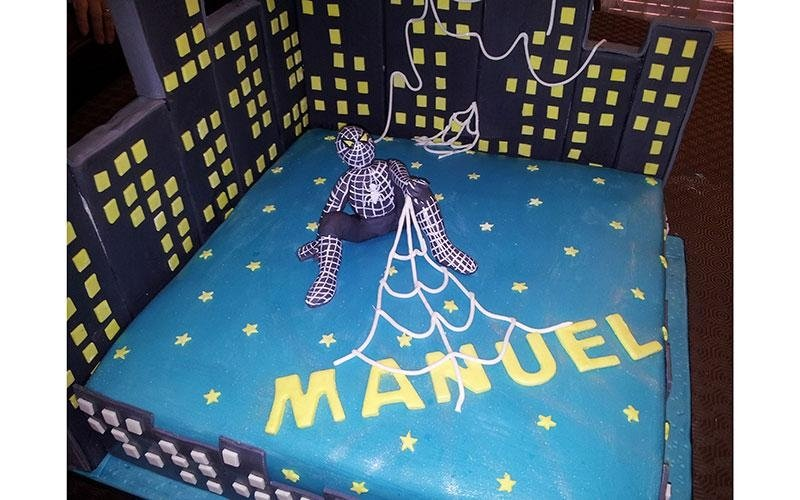 torta design Spiderman
