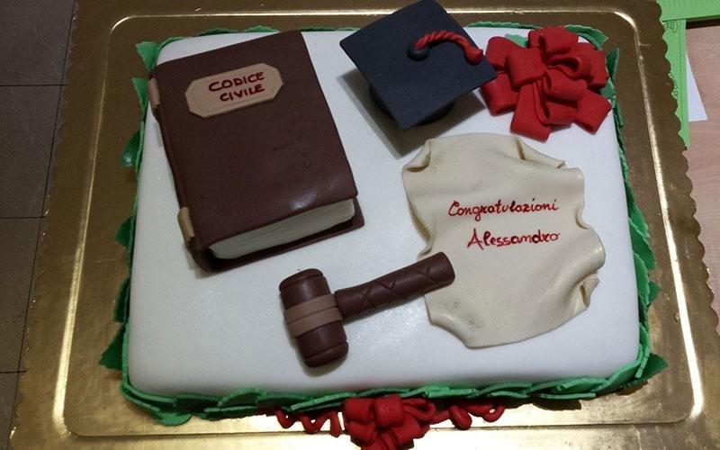 torta personalizzata laurea