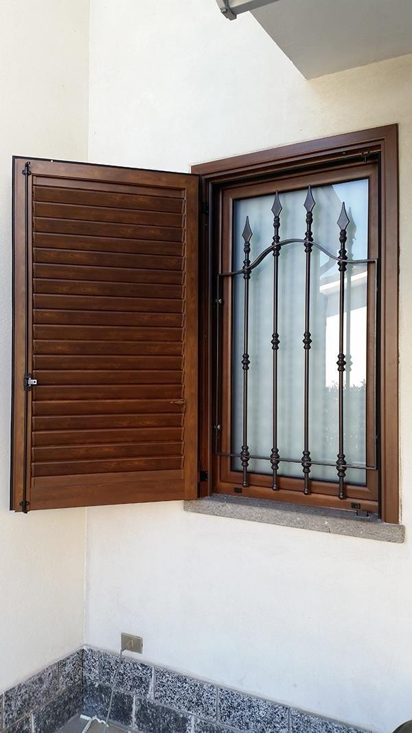 installainstallazione di serramenti e persianezione di serramenti e persiane