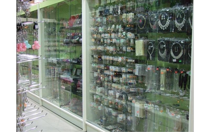 Arredamenti per negozio di bigiotteria