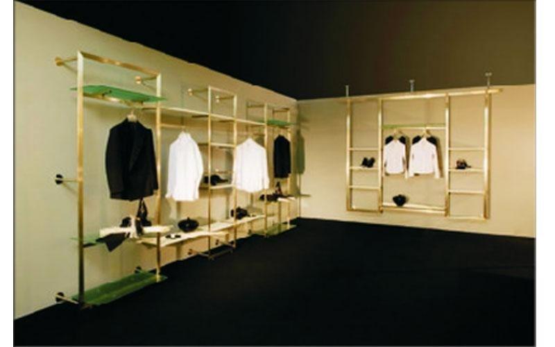 Progettazione arredo negozio cagliari azeta arredamenti - Scaffali per cabine armadio ...