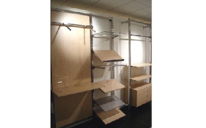 scaffali e cassetti