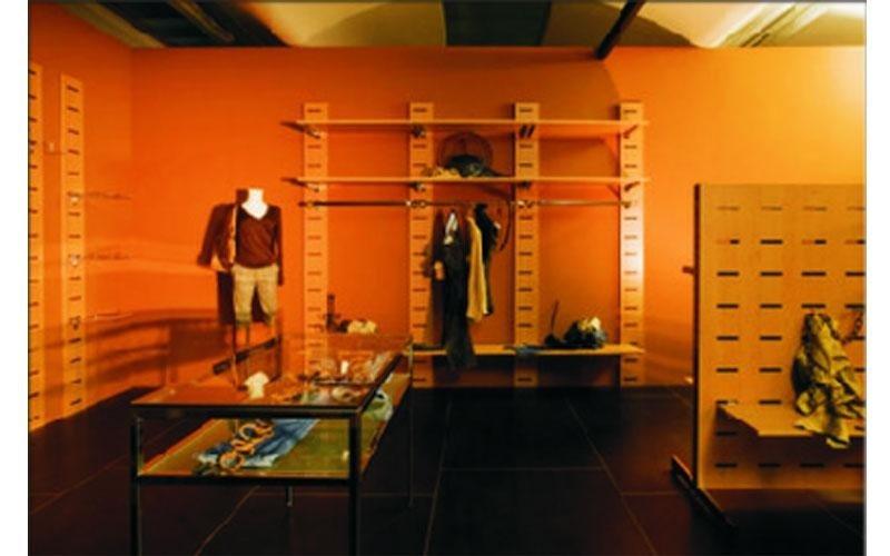 progettazione arredamento per negozi di abbigliamento