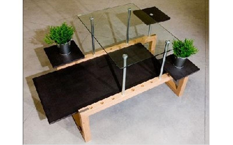 tavolino e fiori