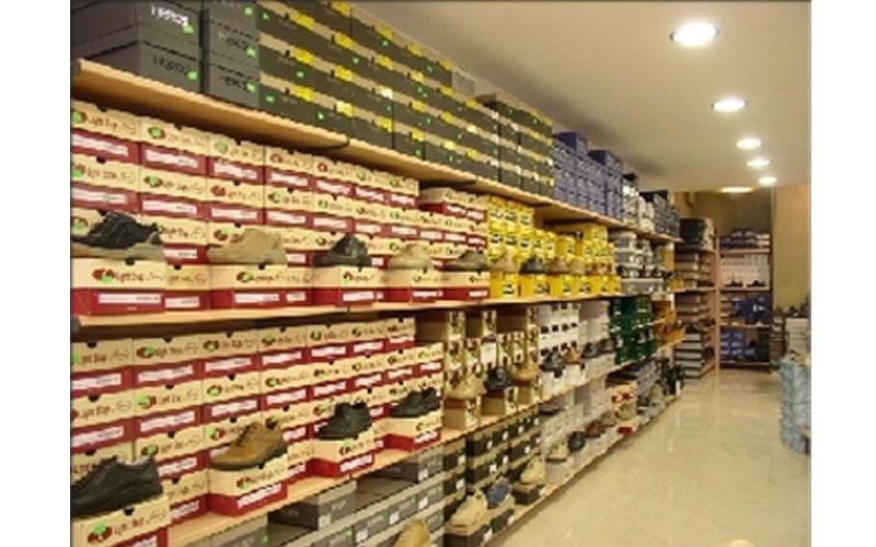 Arredamenti per negozio di scarpe