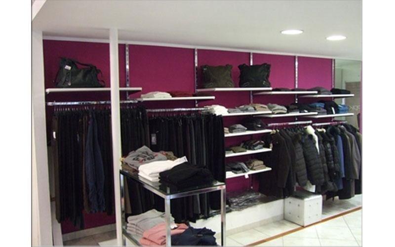 Arredamenti per negozio di abbigliamento
