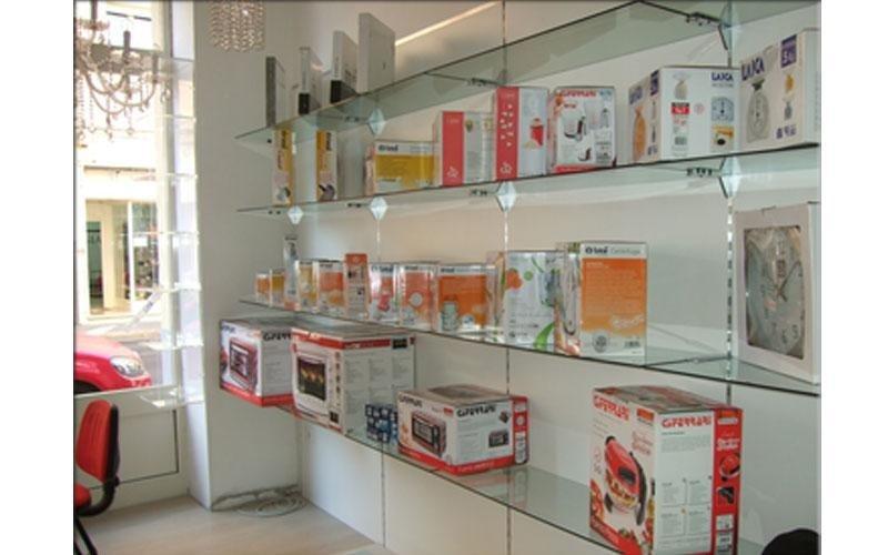 arredamento per negozio di elettrodomestici