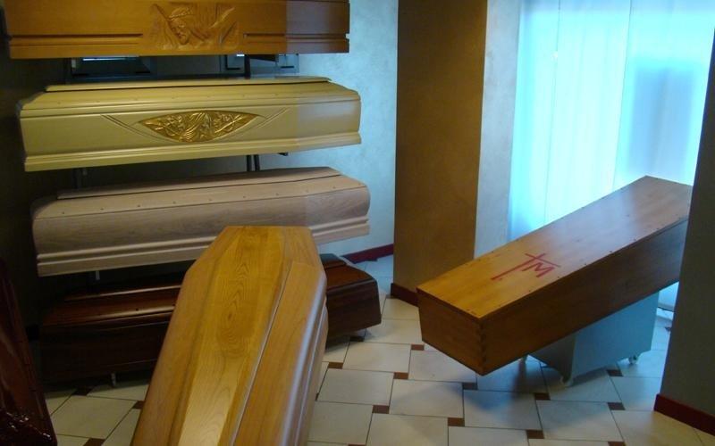 esposizione cofani funebri padova