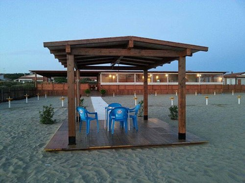 gazebo sulla spiaggia