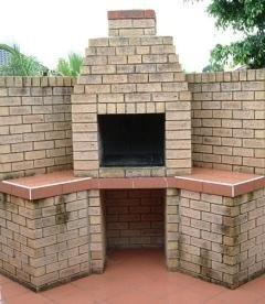 Barbecue esterno in mattoni